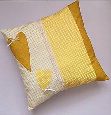 Úžitkový textil - Všade samé srdiečka - vankúšik - 10915360_