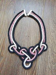 Náhrdelníky - Viazaný náhrdelník - IV.  (Červená) - 10918239_