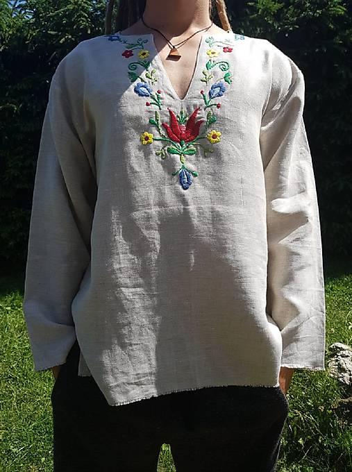 Ručne vyšívaná košeľa