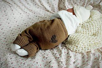 Detské oblečenie - Akrylové pletené nohavice so srdiečkom - 10920557_
