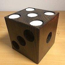 Svietidlá a sviečky - Drevený svietnik hracia kocka - 10921791_