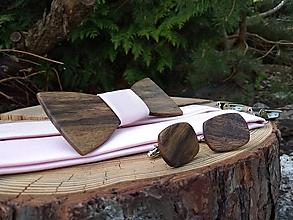 Doplnky - Pánsky drevený motýlik, manžetové gombíky a traky - 10923173_