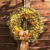 Dekorácie - Žltý sušený veniec - 10925901_