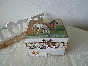 Krabičky - Komodka Koniky - 10924840_
