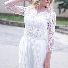 Šaty - Svadobné šaty z dizajnérskej krajky a tylovou sukňou - 10924865_
