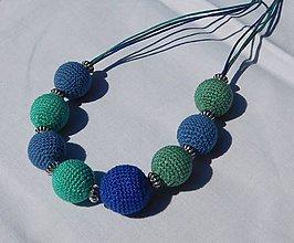 Náhrdelníky - háčkované korále - modrozelené - 10926686_