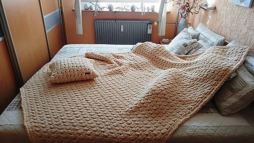Jemnučká a ľahká deka z priadze alize puffy (cca (165 x 185) cm - Béžová)