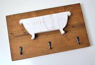 Nábytok - Drevený vešiačik do kúpeľne - 10931227_