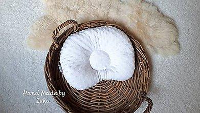 Textil - Anatomický vankúš - biele minky / 100% bavlna - 10930629_
