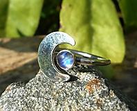 Prstene - Strieborný Prsteň s Mesačným Kameňom - 10931060_