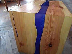 Nábytok - Konferenční stolek z masivu a pryskyřice metalická - 10931566_