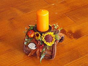 Dekorácie - Jesenný poloblúkový svietnik so slnečnicou, ježkom a sviečkou - 10929658_