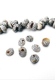 Korálky - mušličky na navliekanie, 10 ks - 10932417_