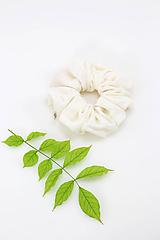 Ozdoby do vlasov - Ľanogumka - vlasová gumička zo smotanového jersey ľanu  - 10934391_