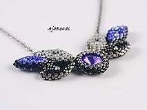Náhrdelníky - Náhrdelník - lístky se Swarovski - modrá - 10932465_