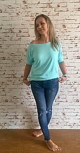 Tričká - Mätové tričko s vyhrnutými rukávmi - 10933629_