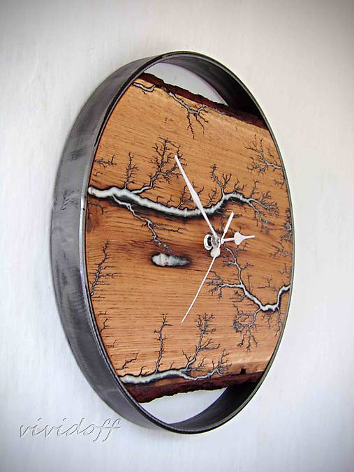 hodiny fractal dubovokovové