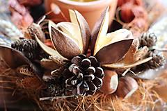 Dekorácie - Svietnik z darov prírody - 10938103_