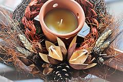 Dekorácie - Svietnik z darov prírody - 10938105_