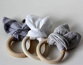 Hračky - Drevené hryzátka pre bábätko Ľanové sivé - 10936002_