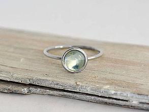 Prstene - 585/1000 zlatý prsteň s prírodným modrým topásom Nebo - 10939673_