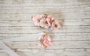 Ozdoby do vlasov - Svadobný set béžový: kvetinová spona a náramok/choker (2 v 1) - 10941136_