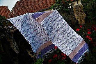 Úžitkový textil - Tkaný koberec bielo-hnedo-fialový - 10940828_