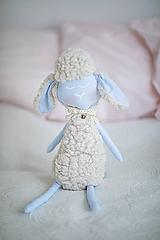 Hračky - Ovka nohatá Baby blue s malým motýlikom a rolničkou - 10941686_