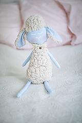 Hračky - Ovka nohatá Baby blue s malým motýlikom a rolničkou - 10941688_