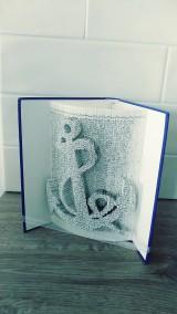 Dekorácie - Kotva - vyskladaná z knihy (nielen) pre námorníkov - 10942052_