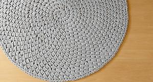 Úžitkový textil - Háčkovaný koberček - 10941964_