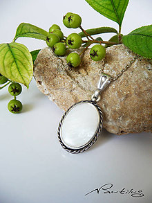 Náhrdelníky - Strieborný šperk Ag925 s bielou perleťou - 10945497_