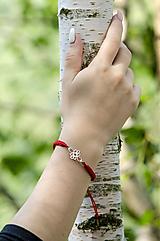 Náramky - Červený náramok folklórne nekonečno (chir.oceľ, pozlátené) - 10944832_