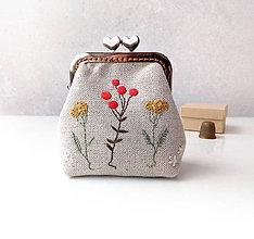 Peňaženky - Peňaženka Bobuľky a lúčne kvietky - 10945420_
