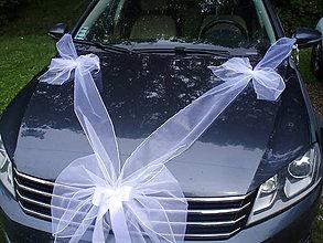 Dekorácie - Výzdoba na auto s 2 mašľami s prísavkami - 10945021_