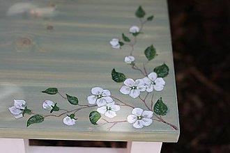 Nábytok - Maľovaný stolček - 10946949_