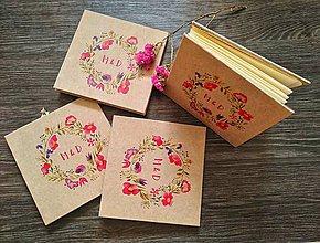 Papiernictvo - Leporelo 13x13 recyklované kvetinkové leporelká - 10946916_