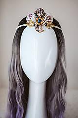 Ozdoby do vlasov - Glitrovaná korunka z mušlí vhodná na festival - 10945831_