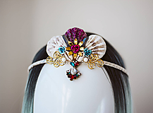 Ozdoby do vlasov - Glitrovaná korunka z mušlí vhodná na festival - 10945851_