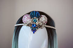 Ozdoby do vlasov - Glitrovaná korunka z mušlí vhodná na festival - 10945857_