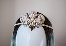 Ozdoby do vlasov - Glitrovaná korunka z mušlí vhodná na festival - 10945859_
