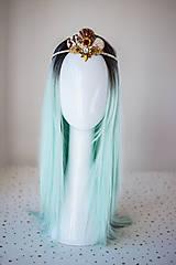 Ozdoby do vlasov - Glitrovaná korunka z mušlí vhodná na festival - 10945866_