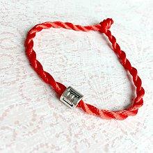 Náramky - Lucky Red Zodiac Sign Bracelet / Náramok proti urieknutiu so symbolom znamenia (Blíženec) - 10950364_