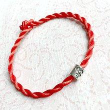 Náramky - Lucky Red Zodiac Sign Bracelet / Náramok proti urieknutiu so symbolom znamenia (Kozorožec) - 10950365_
