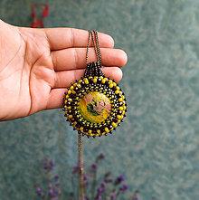 Náhrdelníky - Howlitový n.2 - šitý náhrdelník - 10949705_