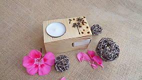 Svietidlá a sviečky - Drevený svietnik -smrekový - 10949906_