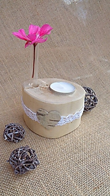 Svietidlá a sviečky - Svietnik drevený - brezový so srdiečkom - 10950024_