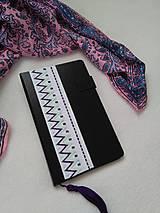 Papiernictvo - Do fialova (vyšívaný zápisník) - 10950957_
