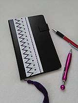 Papiernictvo - Do fialova (vyšívaný zápisník) - 10950958_