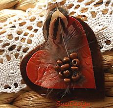 Odznaky/Brošne - poľovnícka brož srdce bažantie pierko - 10952133_